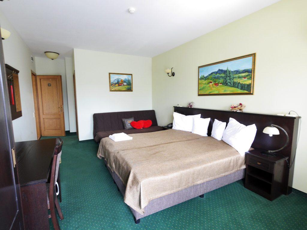 Camera 2 - cu balcon